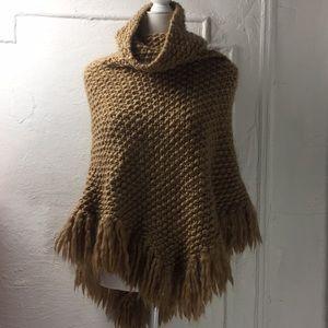 Moda 💯 wool shall sweater